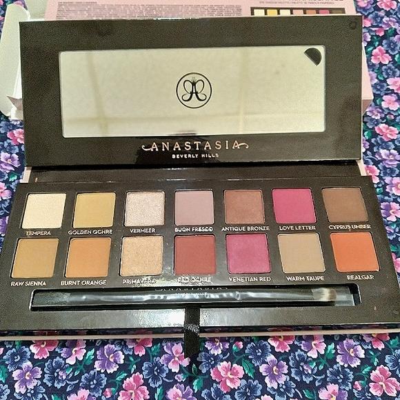 Anastasia Beverly Hills Eyeshadow Palettw